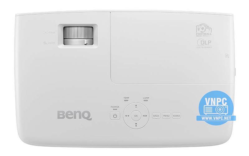 Máy chiếu BenQ TH683 với khả năng chiếu siêu gần